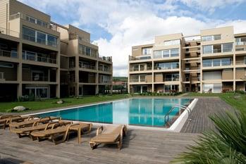 Real-Estate-000009561049_Large.jpg